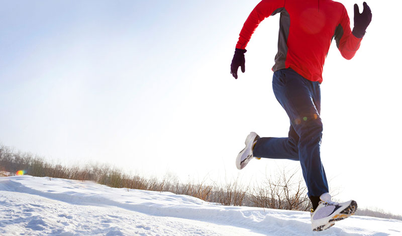 Lehet télen is kint sportolni, de legyünk óvatosak!